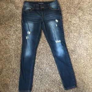 Maurices skinny jeans distressed sz 1/2